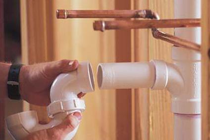5 dicas para fazer o encanamento da sua casa 2 - É possível desentupir cano com Coca Cola?